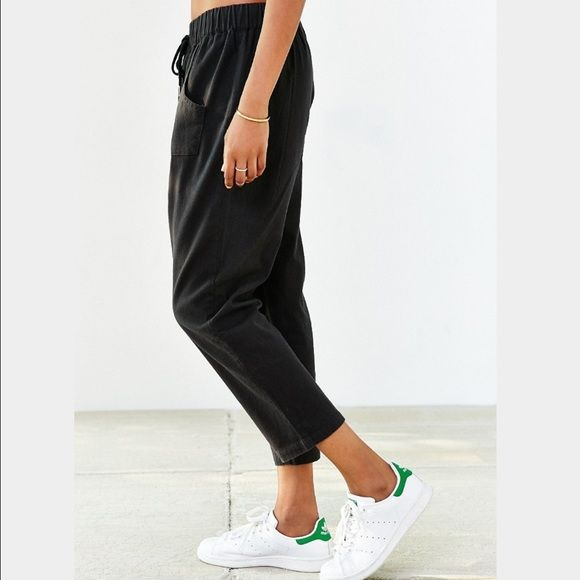 d00ad14a38623 ❗️️LAST CHANCE Urban Outfitters Black Crop Pant ❗️️LAST CHANCE ️SOLD Out in  store❗️Urban Outfitters BDG Black Cropped Casual Pant. NWT retails  59!