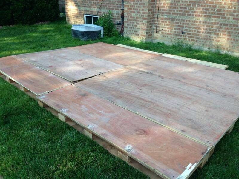 Cover 6 X4 Pallets With Sheets Of Plywood Using Deck Screws Make
