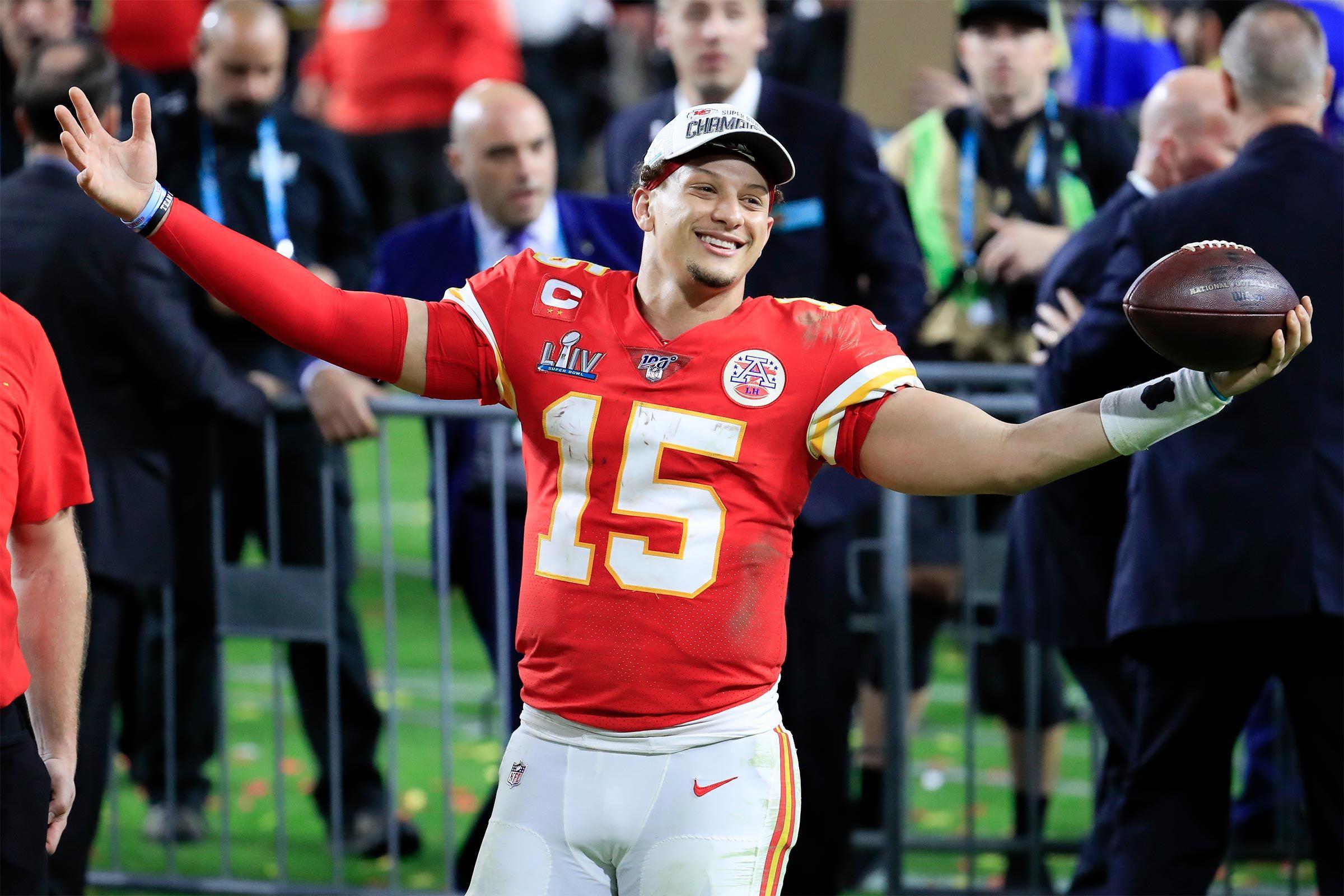 Patrick Mahomes Of The Kansas City Chiefs Wins Super Bowl 2020 Mvp In 2020 Kansas City Chiefs Kansas City Kansas City Chiefs Football