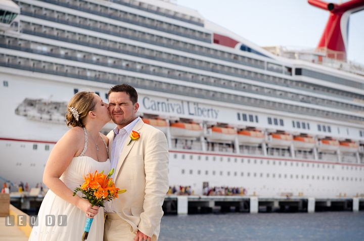 Cute Couple Beautiful Pictures This Is What I Do Help Couples - Getting married on a cruise ship