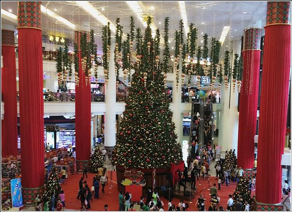 Berjaya-Times-Square-Christmas-Decor-Biggest-Tree | Xmas decor in ...