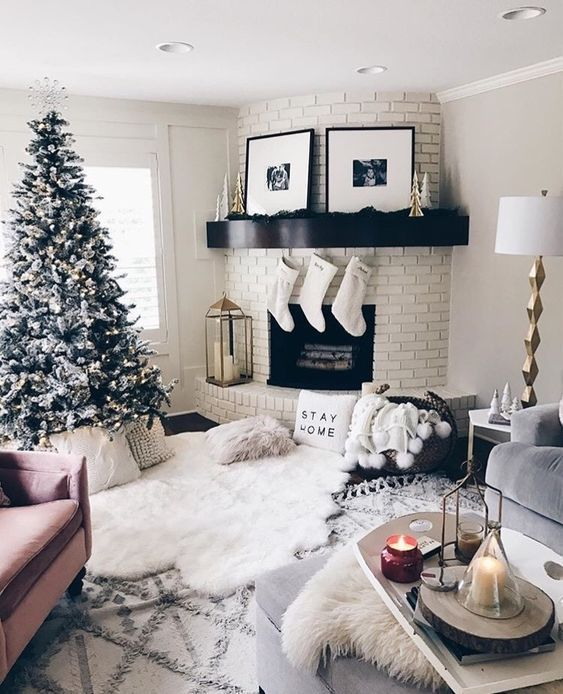 Trendy and cozy white holiday decorating ideas christmas holidays christmasdecorations also  my ideal dream home rh pinterest