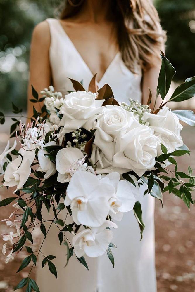 48 All White Wedding Bouquets Inspiration   Wedding Forward