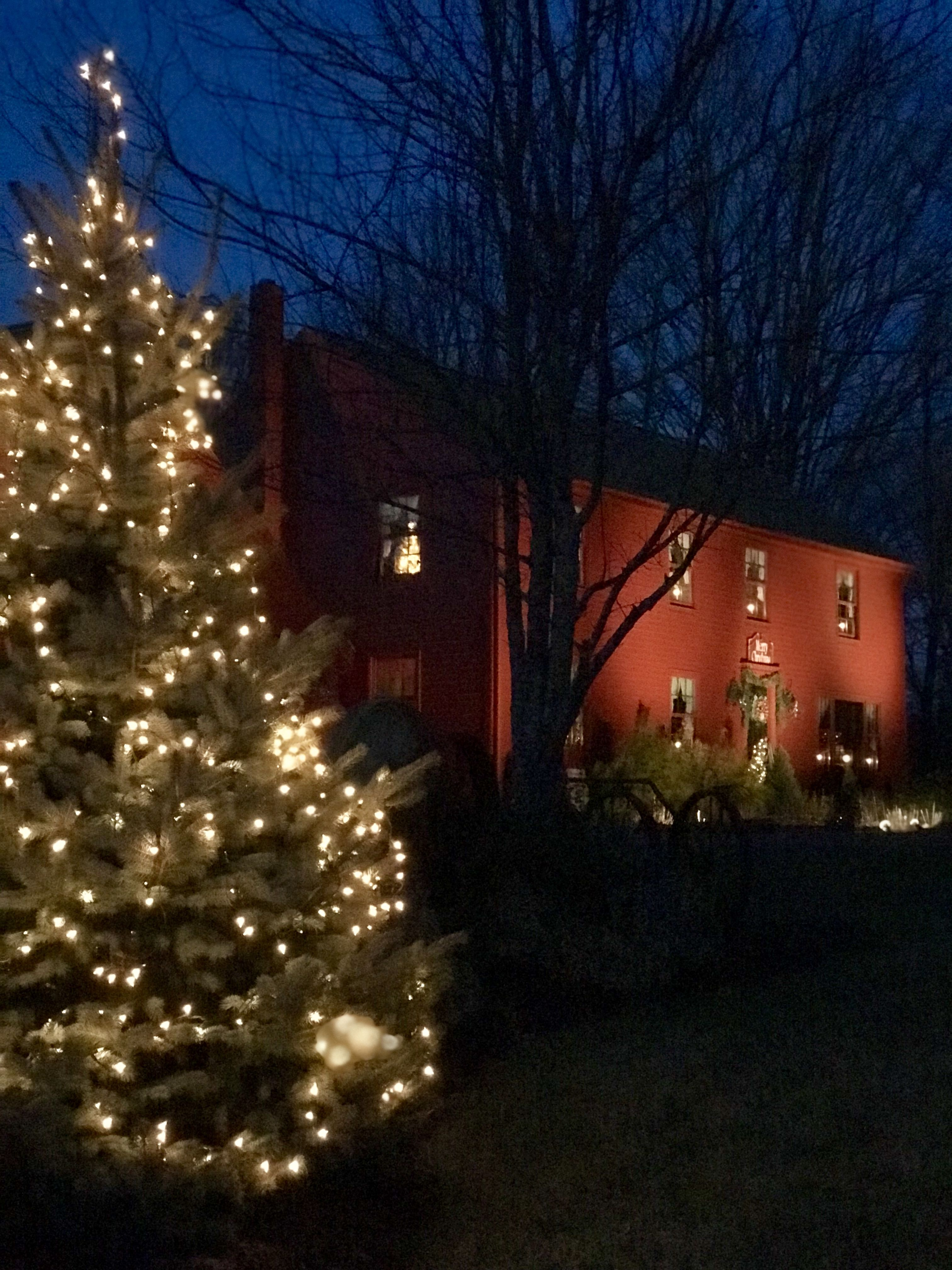 Williamsburg Christmas 2019.Pin By Gerico On New England Homes In 2019 Williamsburg