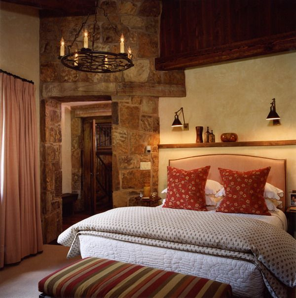 Medieval Master Bedroom Ideas With Feature Wall And Candle