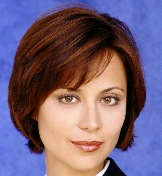 Beautiful Catherine Bell Jag 1995 2005 Catherine Bell Short Hair Styles Hair Styles