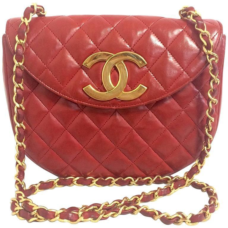Vintage And Designer Shoulder Bags 8 443 For Sale At 1stdibs Chanel Handbags Vintage Chanel Designer Shoulder Bags