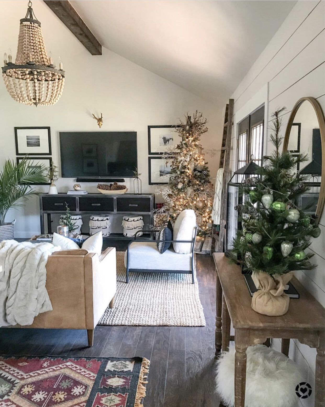 How I Decorate My Living Room For Christmas Christmas Christmasdecor Christmastree Fa Urban Farmhouse Designs Home Decor Christmas Decorations Living Room