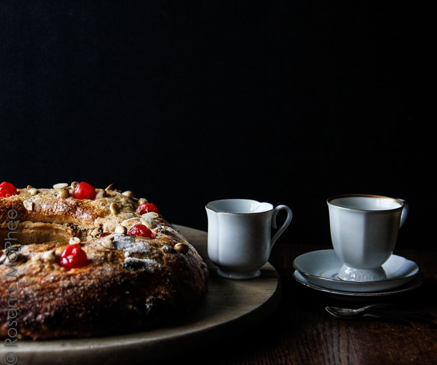 "Hot & Chilli Brazilian blogger   food and travel blog: Preview ""Rosca Bolo Rei, Twelfth Night bread"""