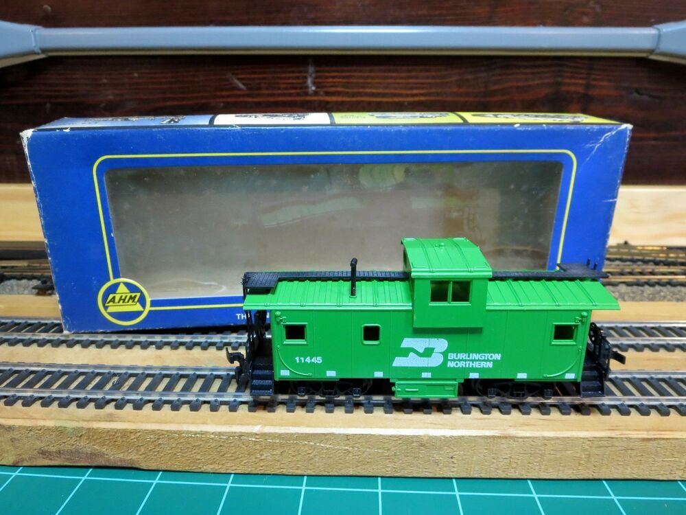 Ahm roco 5485h ho scale extended vision caboose