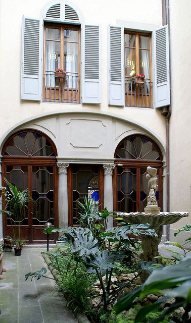 Florenz, Via del Giglio, B & B Alloro, Innenhof (courtyard) | por HEN-Magonza