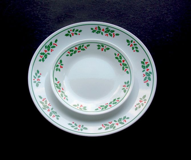 Vintage Corelle Corning Winter Holly by TheBendVintageGlass, $75.00 ...