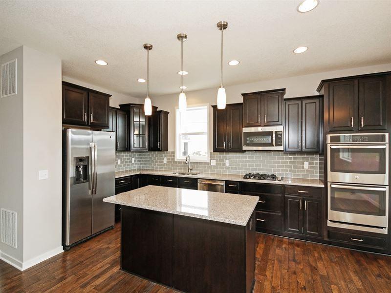 Edgewater B Quick Movein Home Homesite #0001 In Stella Endearing In Home Kitchen Design Design Decoration