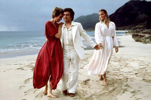 Julie Andrews, Dudley Moore, Bo Derek / publicity still for Blake  Edwards' 10 (1979) | Bo derek, Blake edwards, Julie andrews