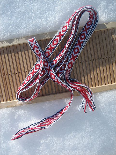 Band Weaving - Komseband for boys, March 2010 by yarn jungle, via Flickr