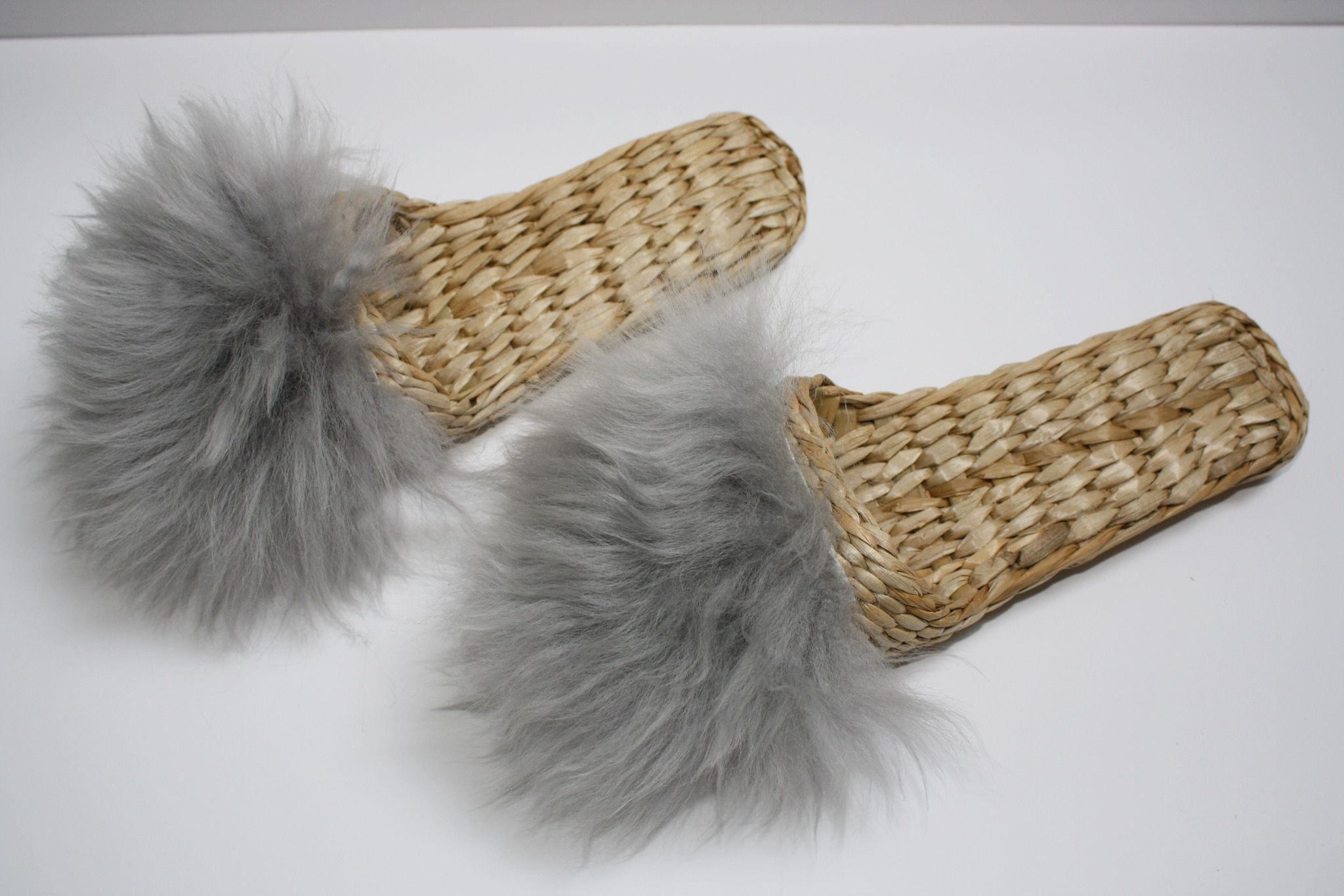 Folk Fortune Handwoven slippers in Grey lamb fur