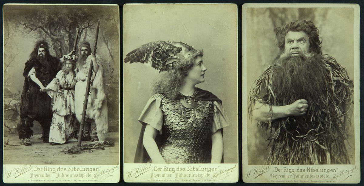 W. Höffert. Der Ring des Nibelungen, Bayreuther Bühnenfestspiele. Fotografies postal en b/n. Wagner col·leccionat per Joaquim Pena