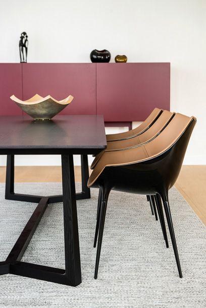 Eettafel Stoelen Modern.Realisatie Met Designklassiekers Als Een Schilderij Carpet