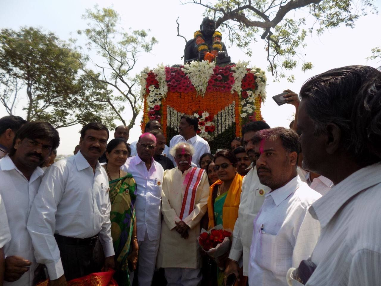 Garlanding Statue of Molla (1440-1530, was a Telugu poet who authored the Telugu-language Ramayana) at Tank Bund,Hyderabad. BJP Telangana