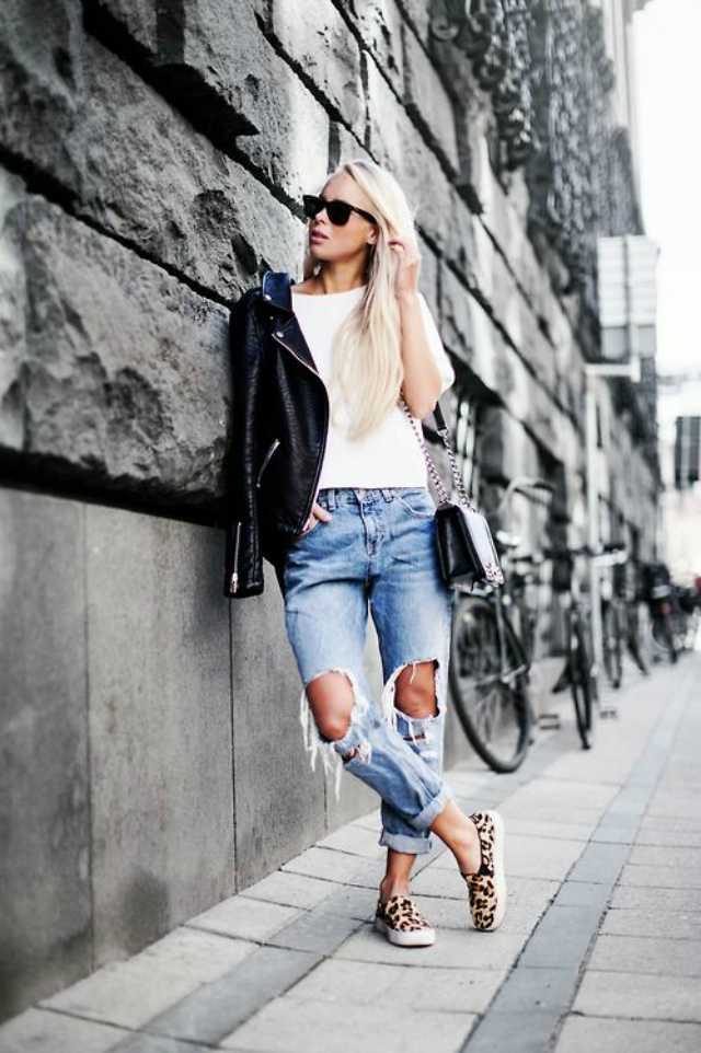Slip on are the trend in sneakers this season! Join in! #slipon #inspiration  Similar here: http://www.krackonline.com/es/zapato-plano/2899-KRACK-KR103---MODELO-17162-17182.html?215#/color-combinados/talla-35