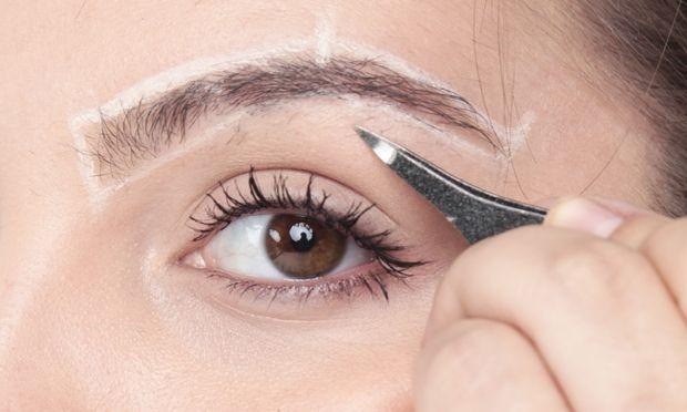 Passo a passo: como fazer a sobrancelha em casa | MdeMulher