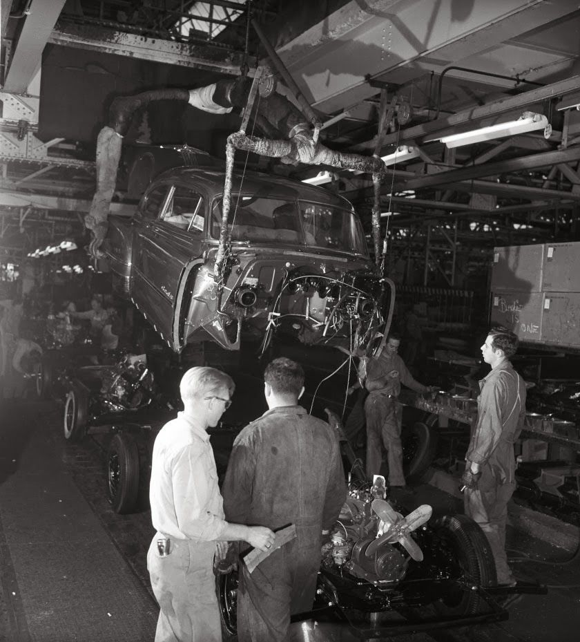 Car Dealerships From Past: 1949 Pontiac Fast Back Being Born In GM Southgate Plant