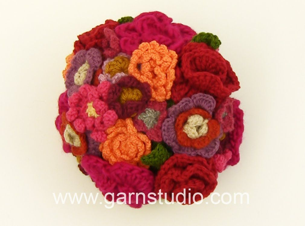 In this DROPS video we have crocheted a bouquet of flowers. We have ...