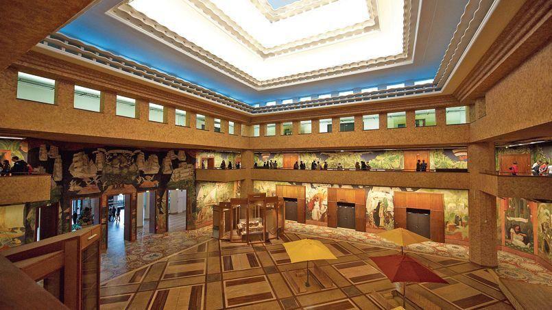 Cinéma le louxor métro barbès art deco streamline moderne art moderne 1920 1945 pinterest art deco streamline moderne and architecture