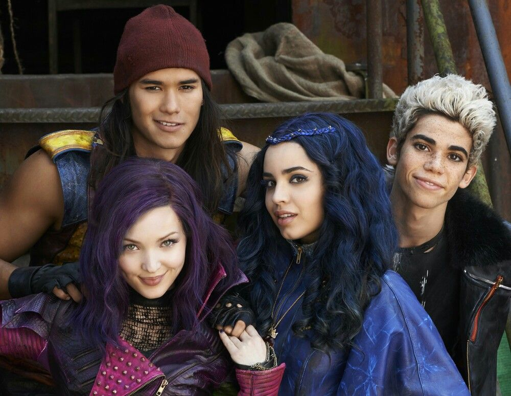 Idea by Aparna Hariprasad on ♥Dove Cameron♥ Descendants