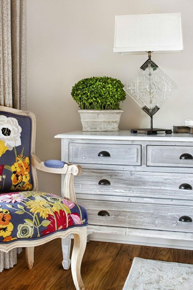 shabby look f r eine graue kommode blacky kreativ m bel shabby chic und shabby chic m bel. Black Bedroom Furniture Sets. Home Design Ideas