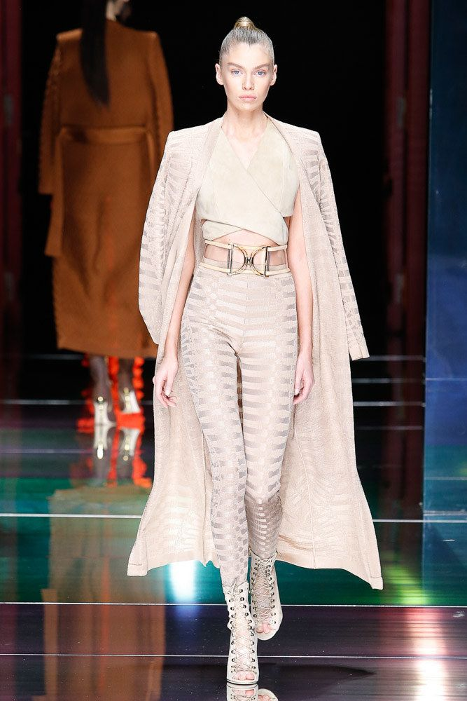 Balmain Spring 2016 Ready-to-Wear Collection Photos - Vogue