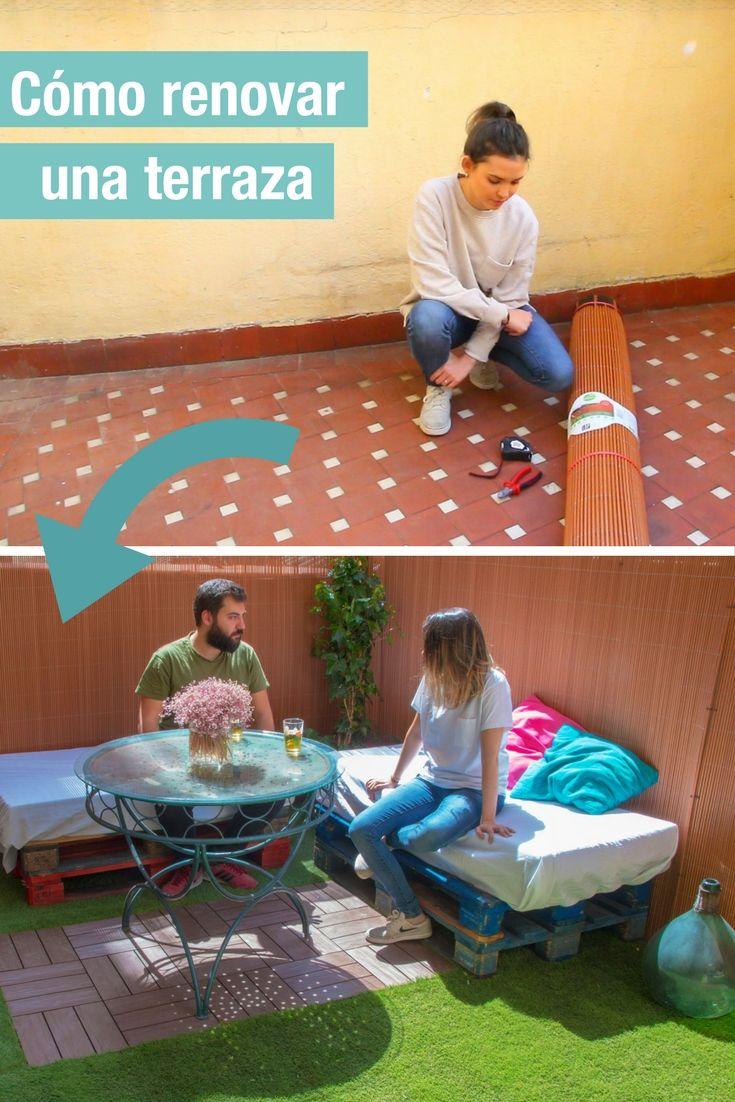 Trucos para renovar una terraza con mimbre y césped artificial