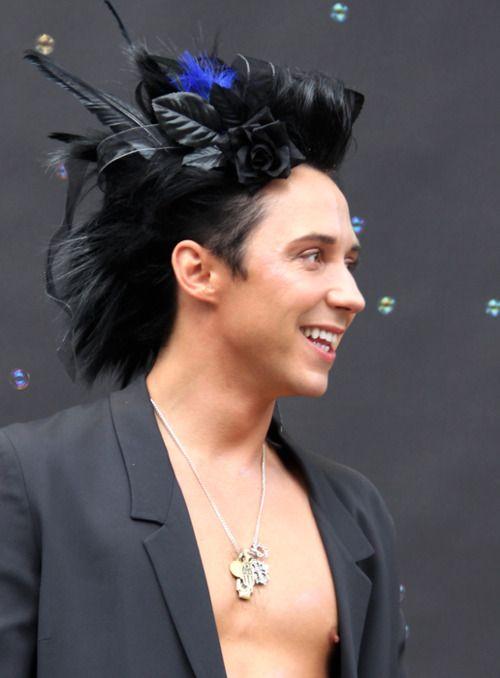 J'Adore!!! Johnny Weir, as LA Pride parade's Grand Marshal. ♥