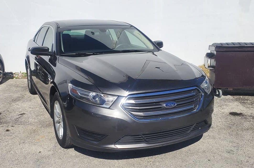 Ford Taurus 2015 6900