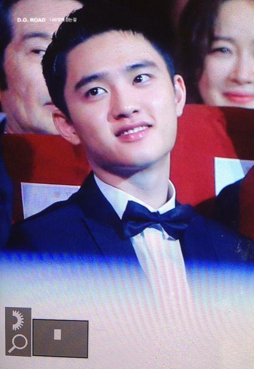 D.O - 160603 52nd Baeksang Arts Awards Credit: 너와함께걷는길. (제52회 백상예술대상)