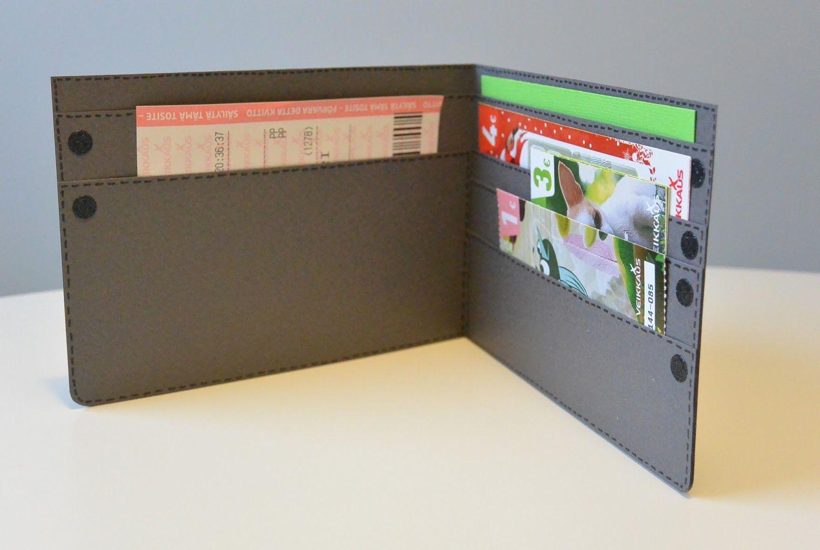 Hups, isänpäivä vierähti jo viikko sitten ja nyt vasta saan esille tämän isänpäiväkortiksi tehdyn lompakon.     Tämä korttimalli on helppo, ...