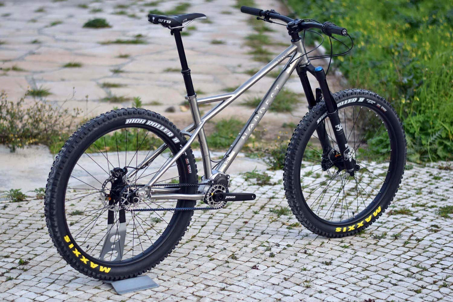 Nordest Lacrau Ti Gears Up With Pinion Powered 27 5 Hardtail