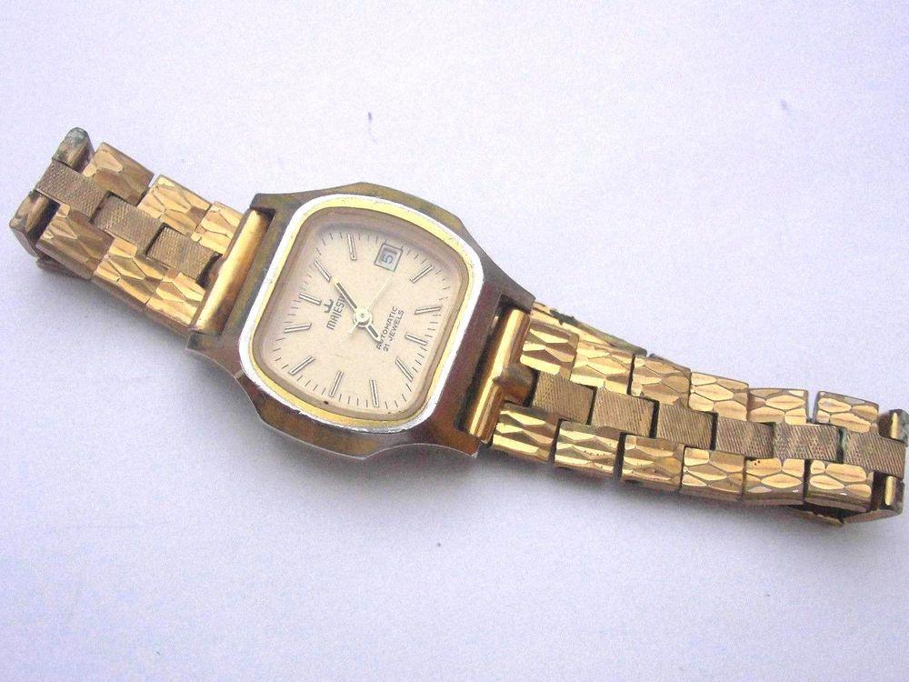 Majestic Uhr