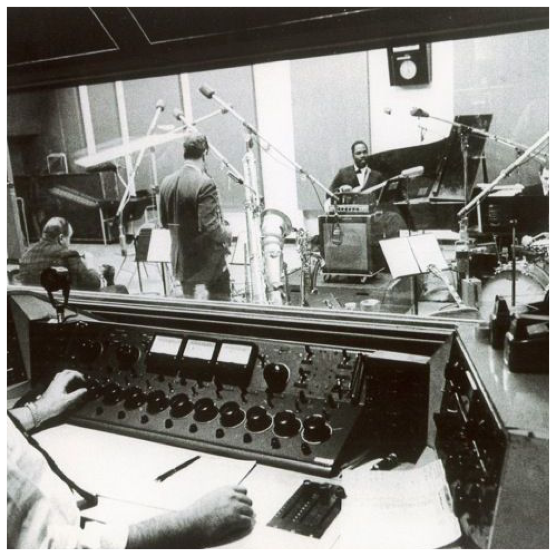 Reverb is one of the most standard go-to effects in music production. It was none other than Bill Putnam, Sr., founder of Universal Audio, who pioneered the use of artificial reverb in 1947. 🎛️🎤 #musicproduction #beatmaker #beatmaking #studiolife