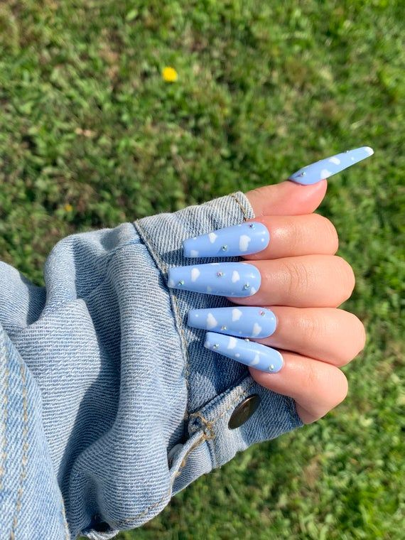 Cloudy Sky Press on Nails