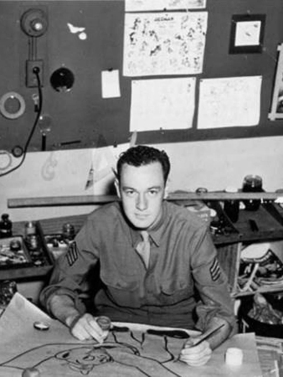 In 1942, comic book creator Stan Lee enlisted in the army and served  stateside until 1945. During the war, he was part of t… | Stan lee, Stan  lee young, Comic books