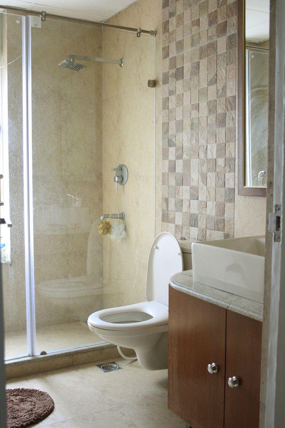Bathroom Wall Tiles Highlighter In 2020 Bathroom Wall Tile Mosaic Bathroom Tile Tile Bathroom