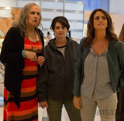 Still of Gaby Hoffmann, Jeffrey Tambor and Amy Landecker in Transparent (2014)