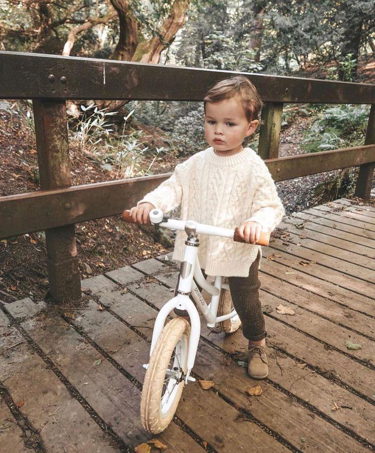 Der Herbst steht vor der Tür, wir freuen uns sehr, einen Pullover zu haben …