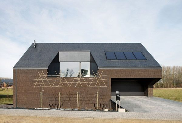 Creative Home in Belgium, Alternating Open and Closed Spaces ...
