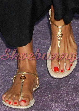 ca7c9ea48cc6 tory-burch-metallic-emmy-thong-sandals-angie-harmon
