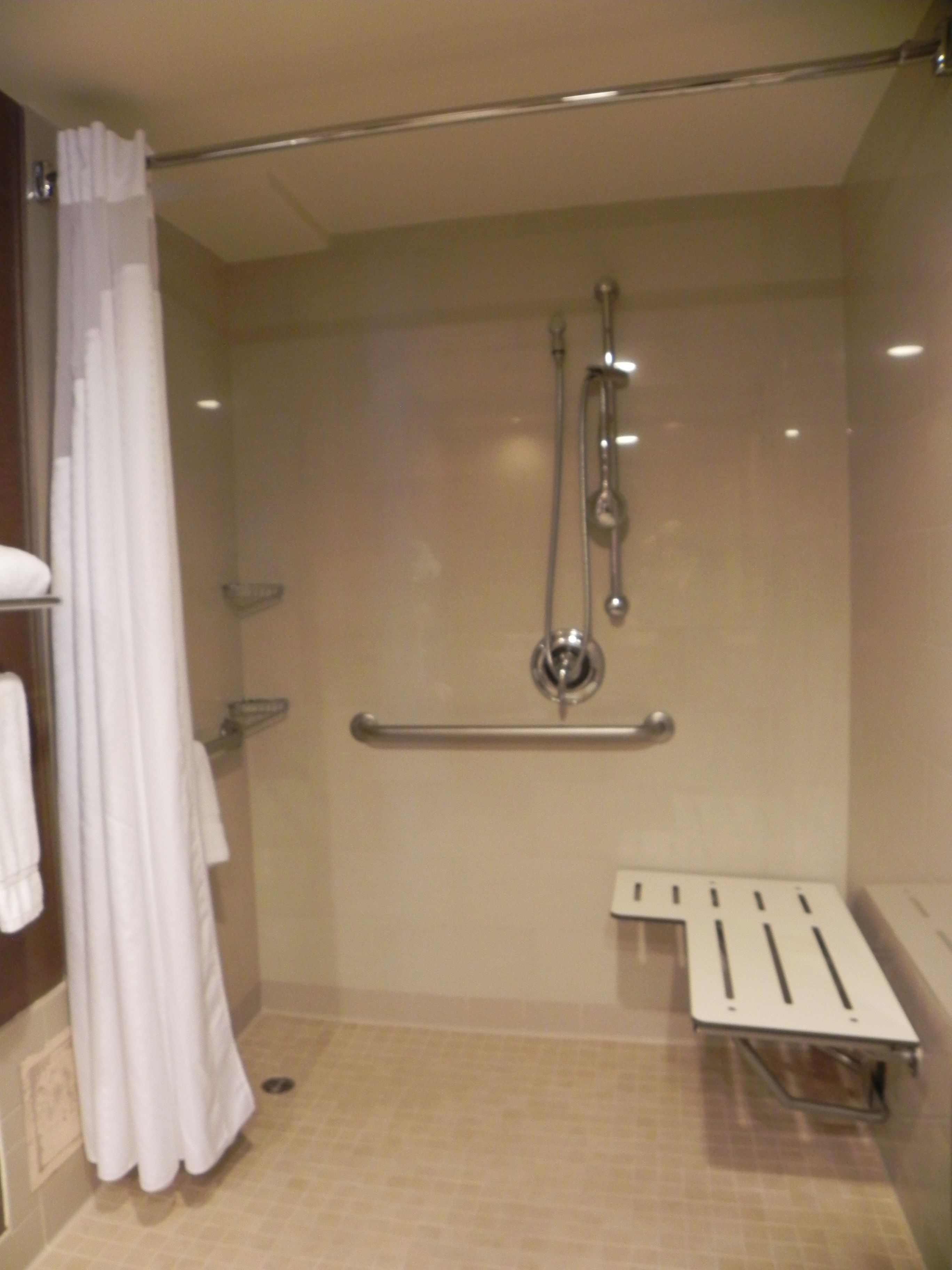 Holiday Inn Torrance - Roll In Shower ADA room | Stay Here ...