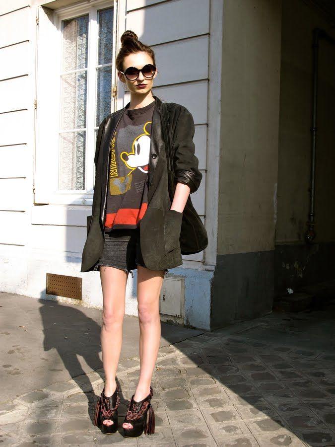 37d7145448b Mickey Mouse street style | Mickey | Fashion, Disney style, Mickey ...