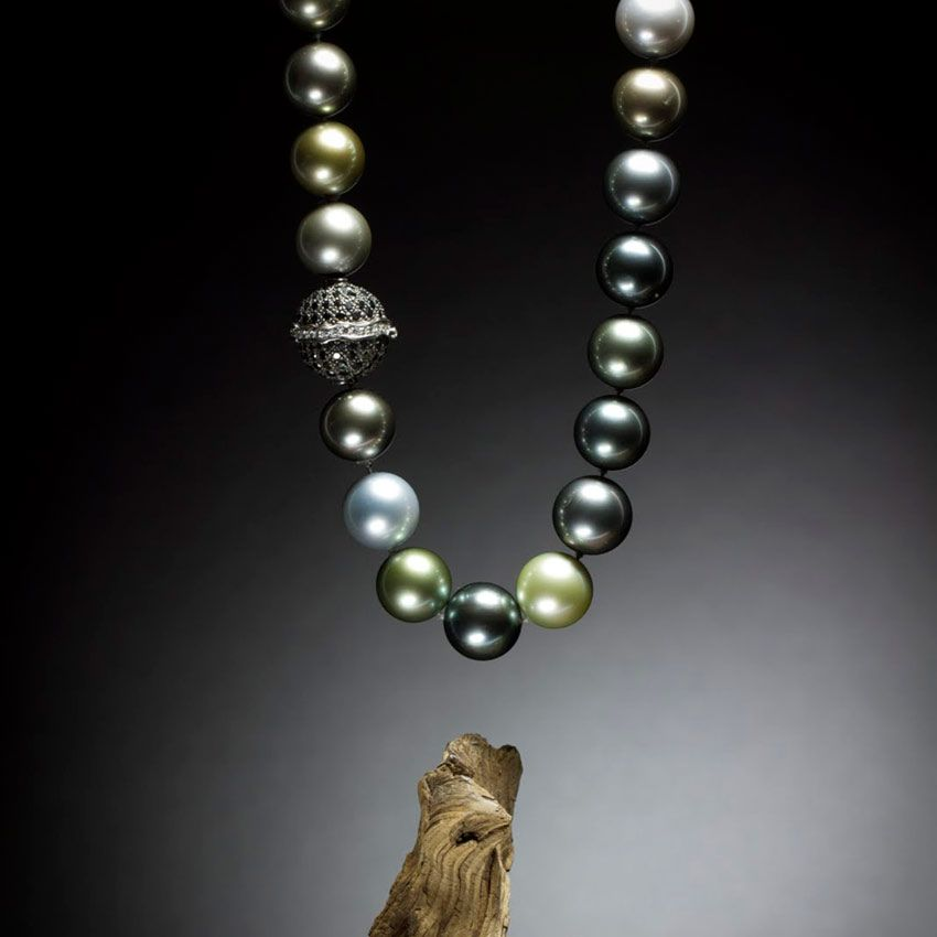 Tahiti black pearl jewelry from vahine-exclusivecollection.com