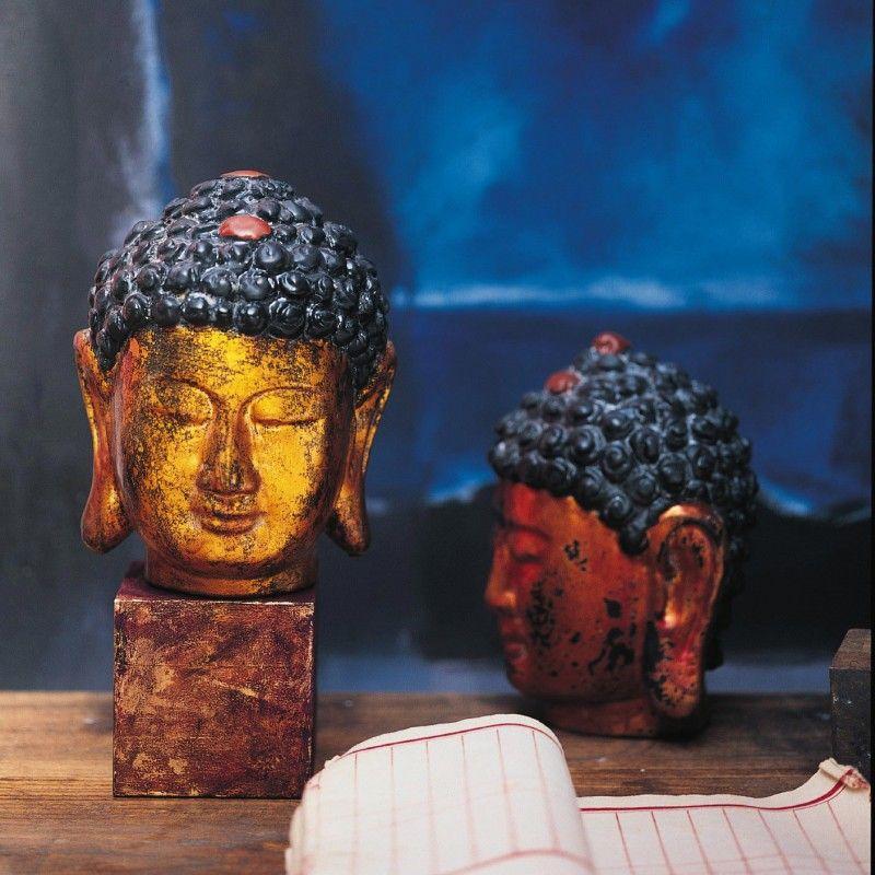 In Vietnam gibt es nur wenige Werkstätten, die diese sehr aufwendigen und arbeitsintensiven Lackarbeiten produzieren können. Das Besondere ist ihre Herstellungsweise: 25 einzelne, verschiedenfarbige Lackschichten werden aufgetragen und jeweils immer wieder angeschliffen. Durch das teilweise Durchscheinen der Farben entsteht die antik anmutende Oberfläche. Nicht nur diese aus vielen feinen Schichten aufgebaute Lackierung begründet Lebensdauer und Qualität, sondern auch die für die Skulpturen…